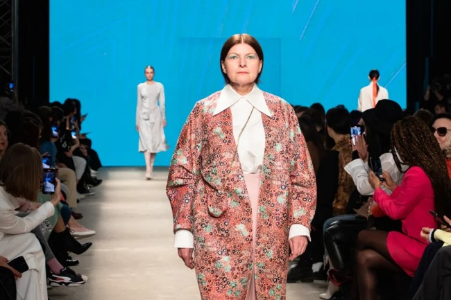 Участницы проекта «Московское долголетие» вышли на подиум Mercedes-Benz Fashion Week